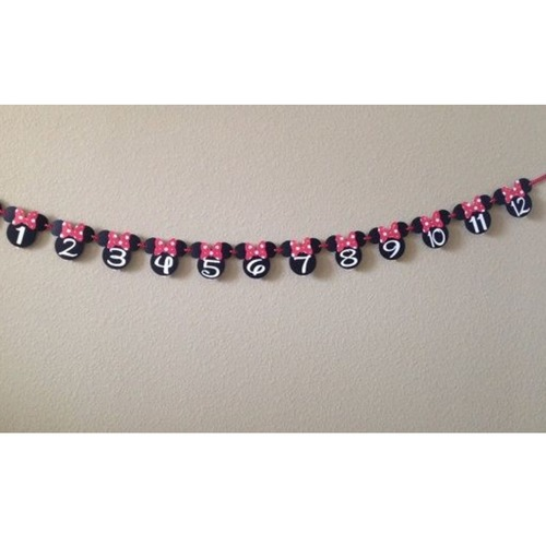 Minnie Mouse Photo Garland with Pins