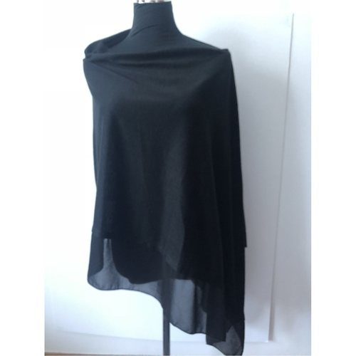 Light Wool Poncho with organza border