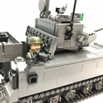 (PRE-ORDER) Bionix II Armoured Fighting Vehicle Minifigure Scale - 307