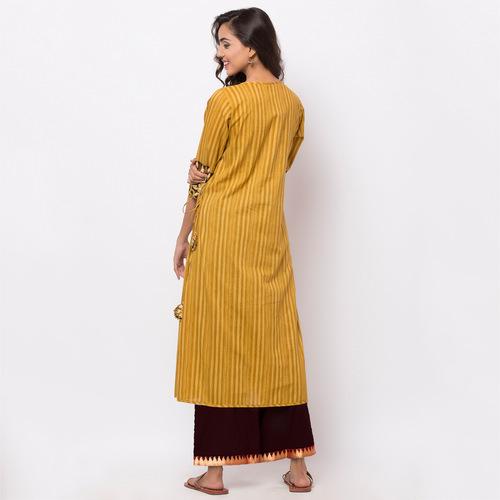 Naksh Kur-pa Angarkha-Pallazo Set
