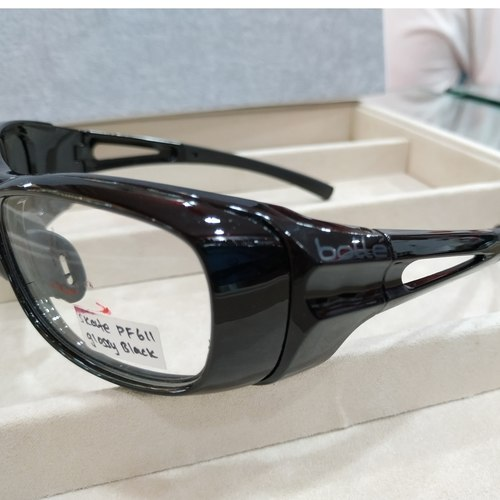 BOLLE Skate PF611 Glossy Black with single vision safety lens uncoated stock