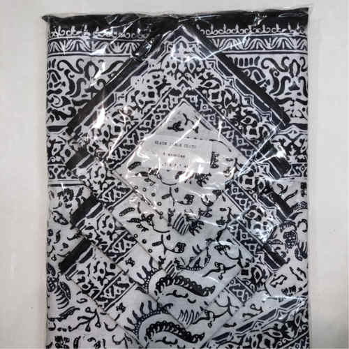 Batik Table Cloth with 8 napkins
