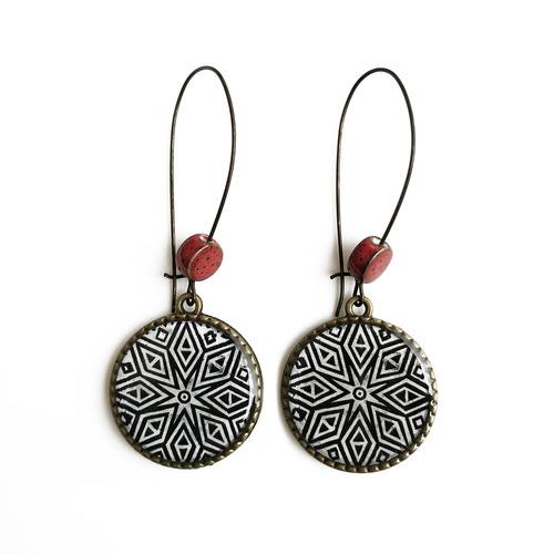 25 mm LOOP EARRINGS  with ceramic bead - Hand carved wooden block