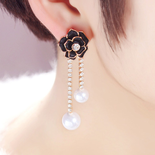 Floral Black Earring