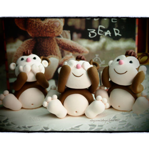Clay monkeys-See no evil,Hear no evil,speak no evil