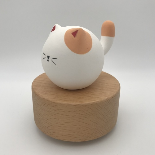 Big Tail Porcelain Cat Music Box Little Moon