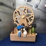 Ferris Wheel Music Box with couple