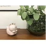 Porcelain Sitting Cat Music Box