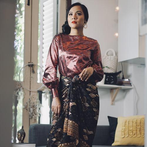 Tiffany in Red Kurung Set