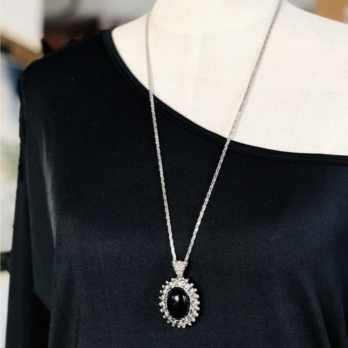 Leone Necklace