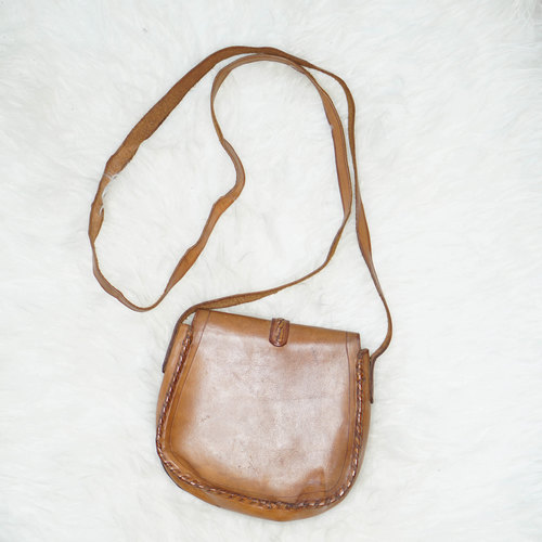 Vintage Leather Saddle Cross Body Bag