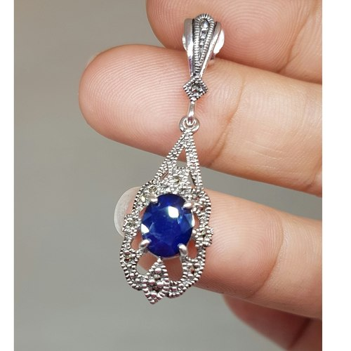 Tania in Sapphires