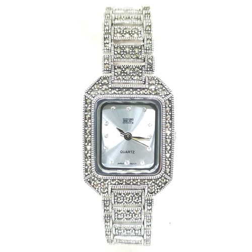 HW0298 Classic Square Silver Chain Watch
