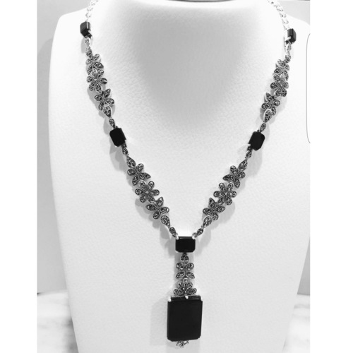 Flora Necklace Black Onyx
