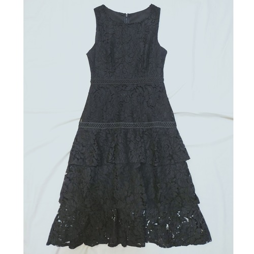 Lace dress *Black