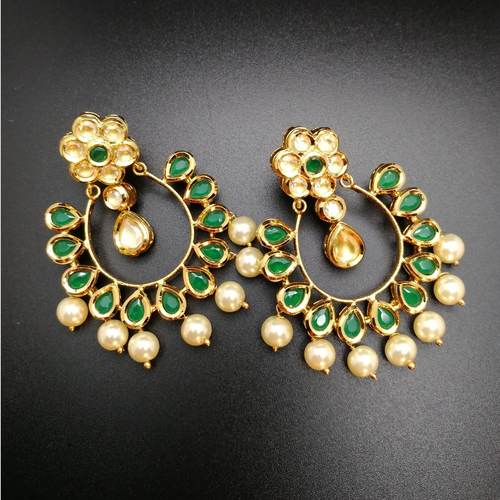 Green Kundan With Pearls Earrings