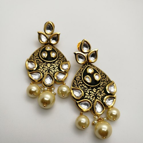 Kundan Studded Pair Of Earrings