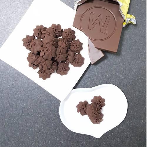 Sea Salt Dark Chocolate Butter Cookies