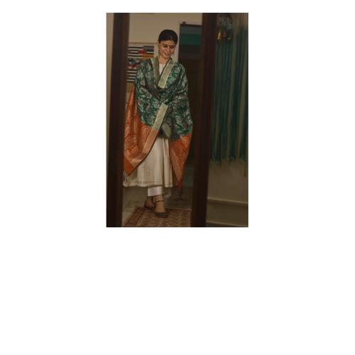Handllom katan silk kaduwa motifs banarasi silk dupatta.