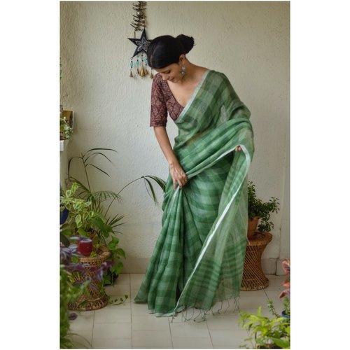 Handwoven boxed linen sari.