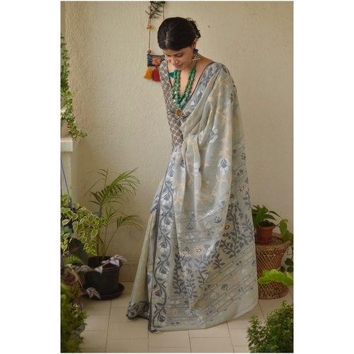Handwoven musine dhakai jamdani saree