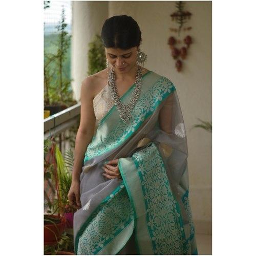 Handloom kadhiyal kadhuwa jari motifs organza silk banarasi saree.