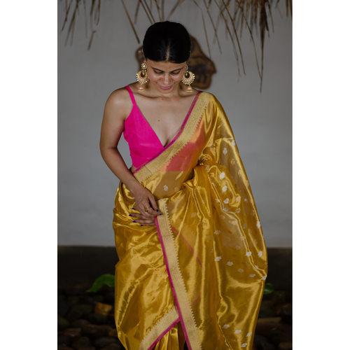 Handwoven kadwa tissue banarasi saree.