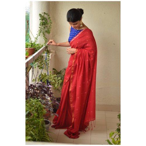 Handwoven muslin cotton saree with bootis.