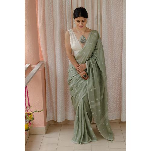 Handspun handwoven pure  muslin cotton Jamdani  motifs saree.