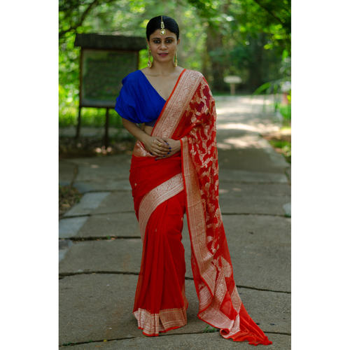 Handwoven kadwa chiffon banarasi saree with jaal work in pallu.