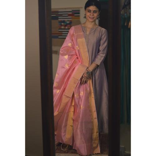 Handllom Chanderi silk dupatta in gold jari motifs