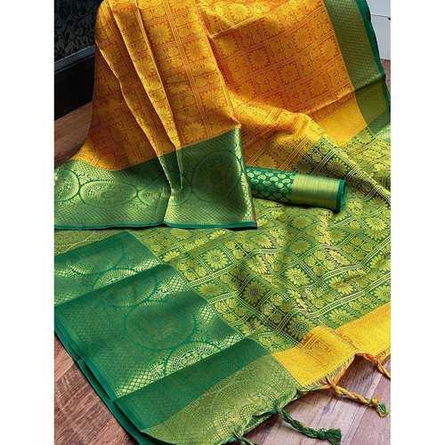 DT30- Tanchoi Silk Saree