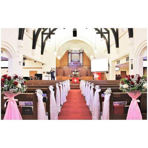 Church Wedding Decor                                                                                                               (Rose Theme)