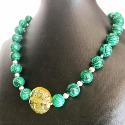Refreshingly Green malachite and pearl necklace