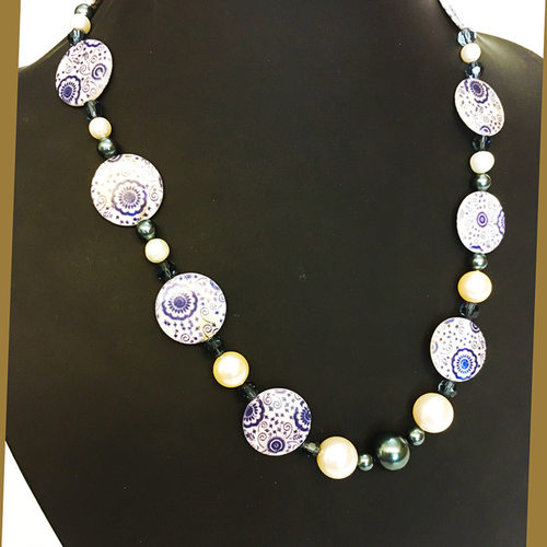 Elegant in Blue and White fashion necklace