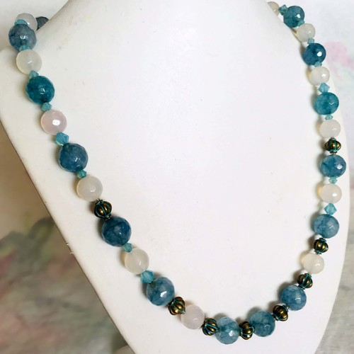 Les Reves Blues (Blue Dreams): fashion necklace