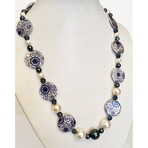 (SOLD)  Elegant in Blue and White fashion necklace