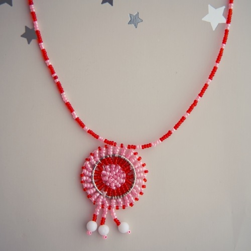 Red and light pink Masai beaded necklace