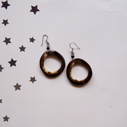 Round shaped Cow Horn Earring