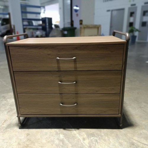 ETHAN INDUSTRI Series Chest of Drawers