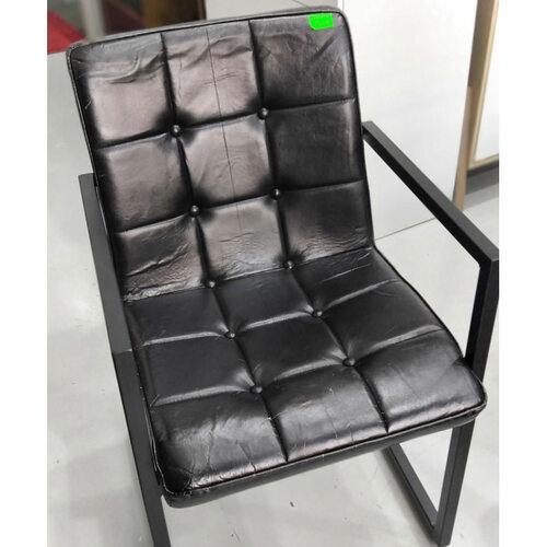 LARA INDUSTRI Series VINTAGE Armchair in BLACK