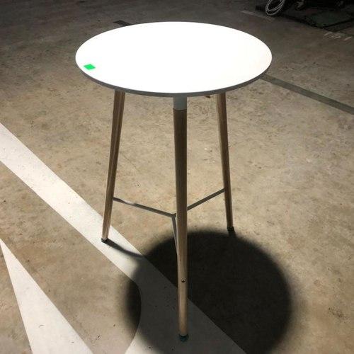 VETAM Bar Table in White