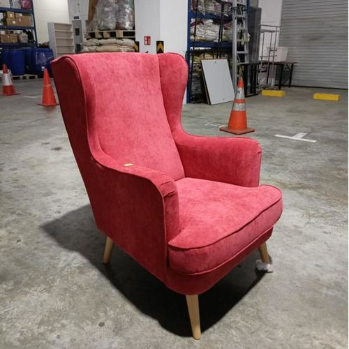 HENDRI Armchair in ♥️ RED