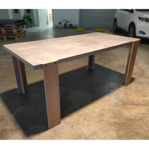 KONKRETE INDUSTRI Series Dining Table