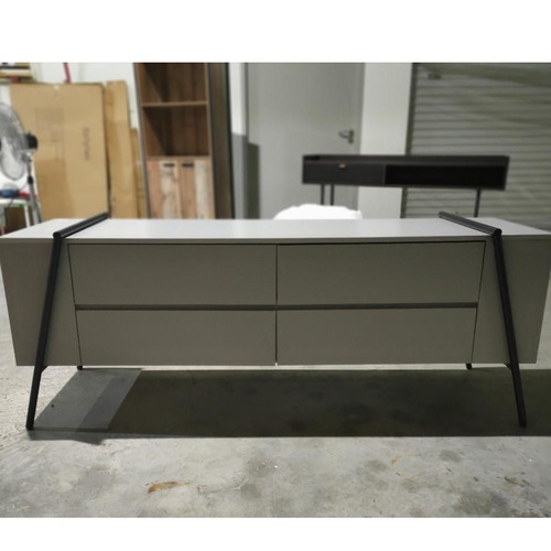 HEILGER TV Console
