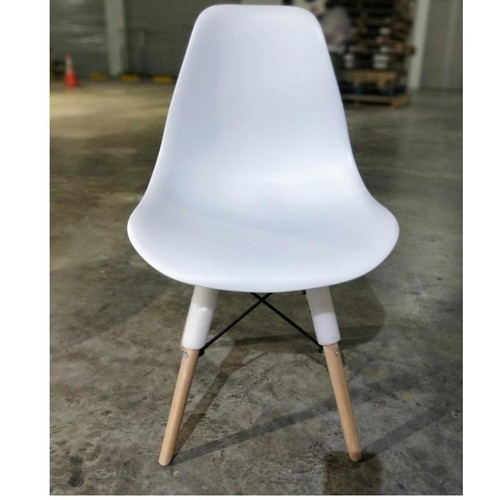 RAZ Eames Designer Chair in WHITE SET