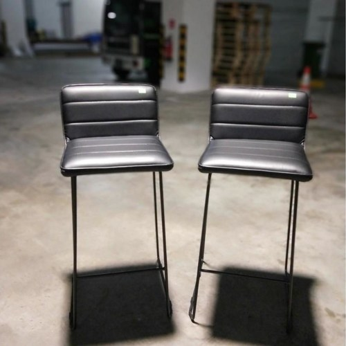 2 x AREN Vintage Faux Leather Bar Stool in BLACK