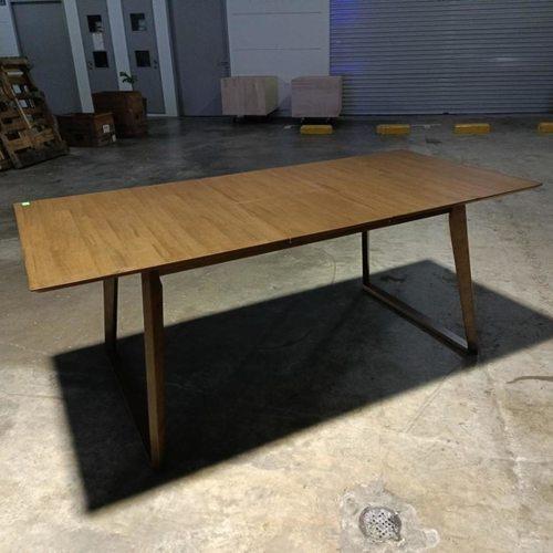 VAJEK EXTENDABLE Dining Table