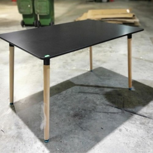VIENNA Dining Table in BLACK M