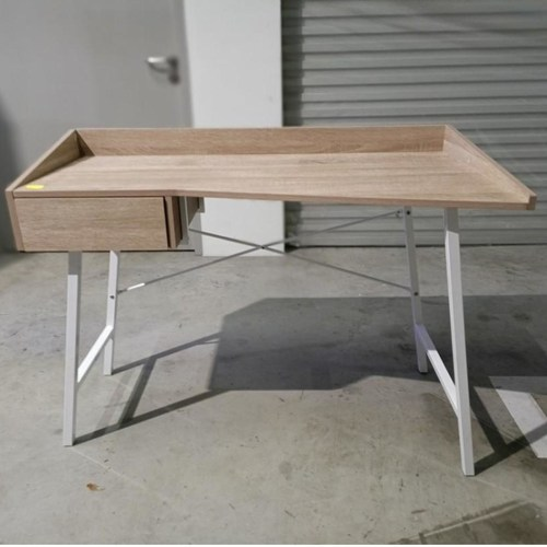 KASTEK Writing Desk in WALNUT
